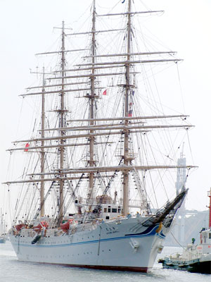 sail01.jpg