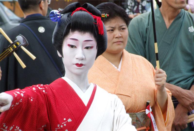 今博多町の本踊